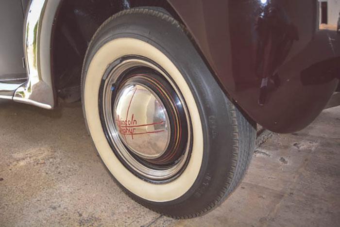 Lincoln-V12-031