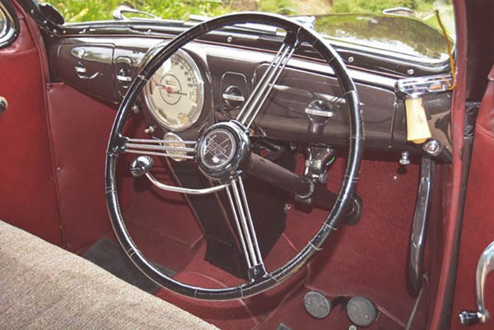 Lincoln-V12-050